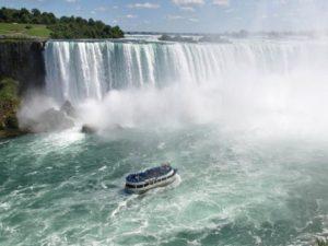 Экскурсии к подножию водопада